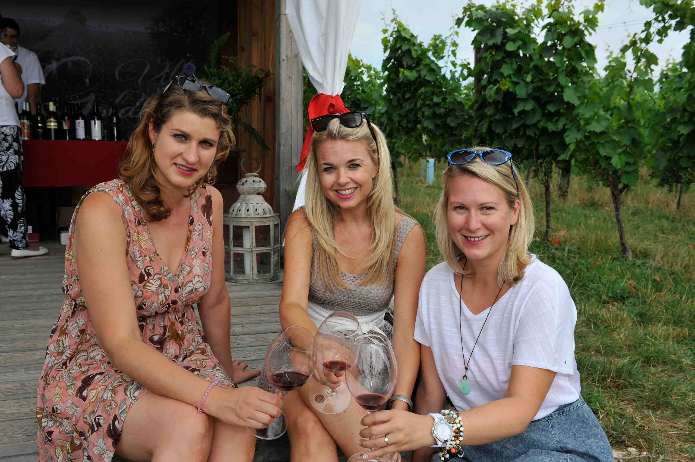Weinverkostung im Weingarten